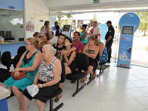 Pacientes aguardando ser chamado em uma UBS