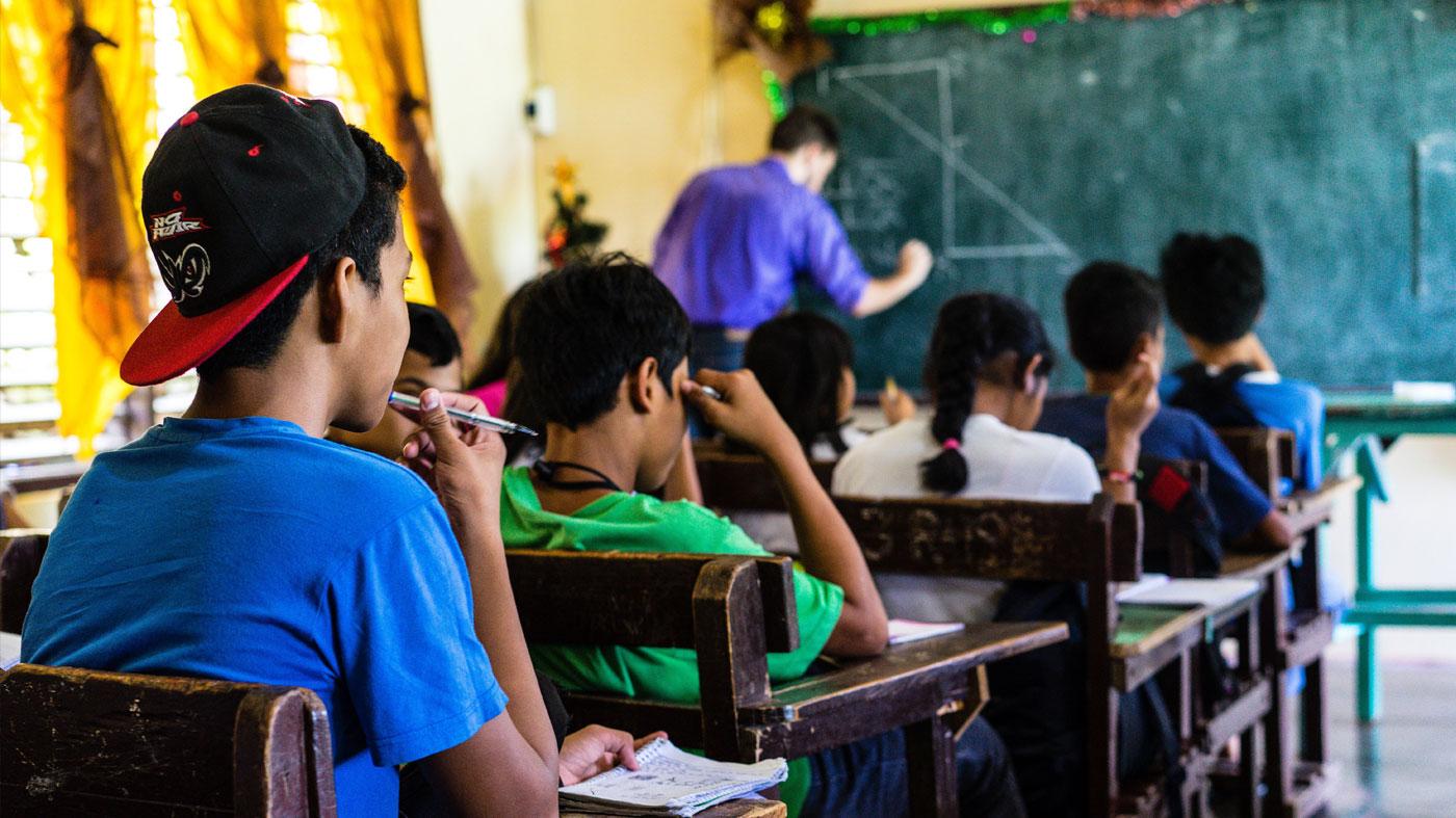 Caso Filipinas: Cinco maneiras de aproveitar ao máximo os investimentos em educação